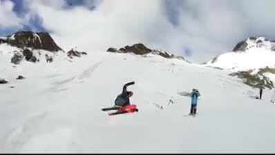 پرش از روی تپه همراه با چرخش