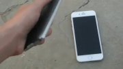 iPhone 6 vs Samsung Galaxy S5 _Outdoor Visibility Test