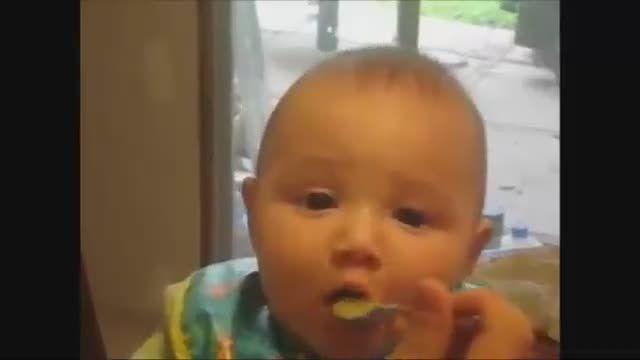 نوزاد شکموی تپل خیلی بامزه!