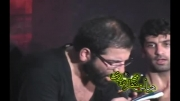 حاج حسین سیب سرخی و بوسیدن لباس بچه در حال سینه زنی