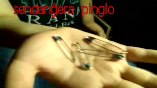 شعبده بازی سنجاق بی خطر 470sendanĝera  pinglo