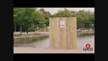 کلیپ بی نهایت خنده دار دوربین مخفی غرق شدن ماشین در آب