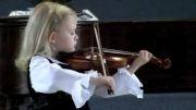 ویولون زدن زیبای دختر 5 ساله با همراهی پیانو