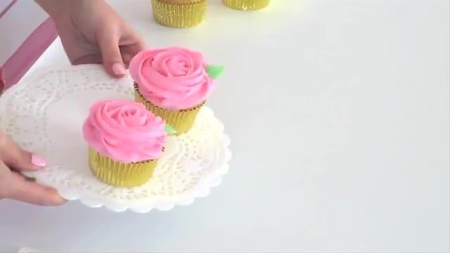 کاپ کیک با طرح گل رز