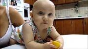 لیمو ترش دادن به بچه ها 2 :))))