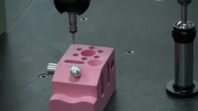 ماشین اندازه گیری دقیق - Coordinate Measuring Machine