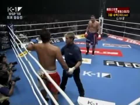 مبارزه پیتر آرتز و موساشی 2006