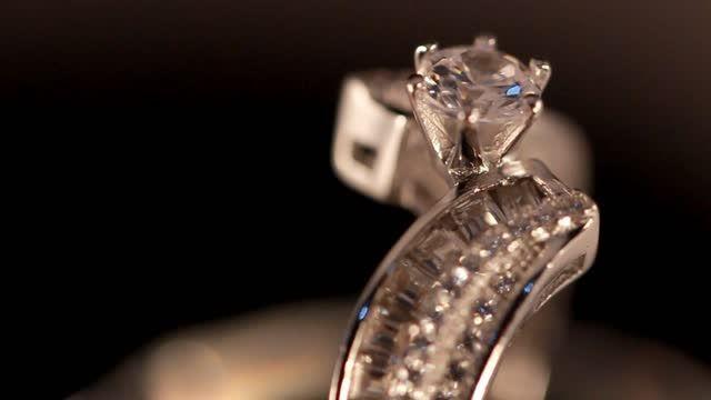 انواع جواهرات نقره روکش طلا سفید