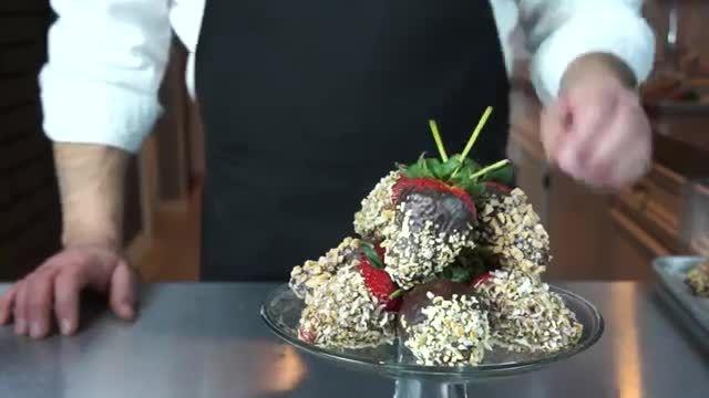 ساخت شکلات با توت فرنگی
