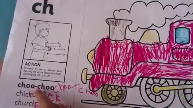 انگلیسی خواندن یک کودک 3 تا 4 ساله