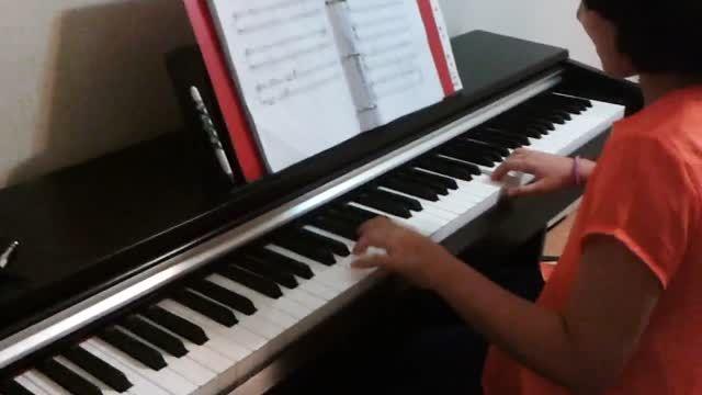 گلنسا نوازندگی پیانو توسط مژده آقادادشی