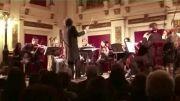 گزیدهای از اجرای زنده حریق خزان در شهر وین و مصاحبه مهیار علیزاده آهنگساز اثر.
