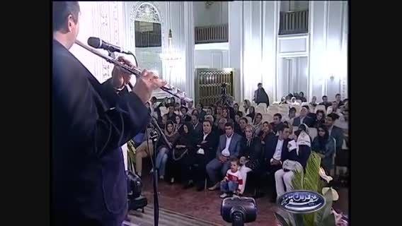 """اجرا فوق العاده زیبای آهنگ """"ایران"""" با صدای محسن یگانه"""