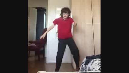 رقص پسر نوجوان