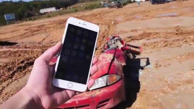 تست مقاومت iPhone 6 Plus در برابر تانک !!!