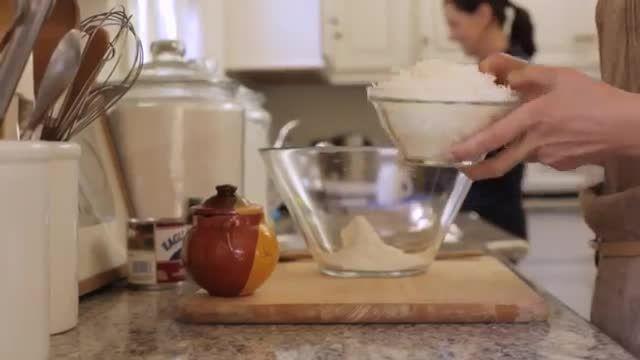 طرز تهیه ماکارون های نارگیلی شکلاتی