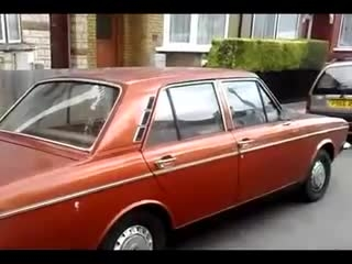 خودروی دوست داشتنی ایرانیها در خیابان های لندن