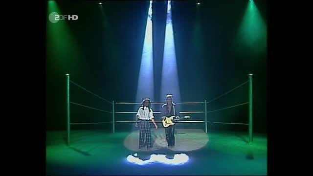 مدرن تاکینگ - اجرای به یاد ماندنی Brother Louie 1986