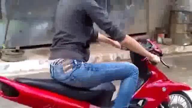 وقتی دختر دلش موتورسواری میخواد =))
