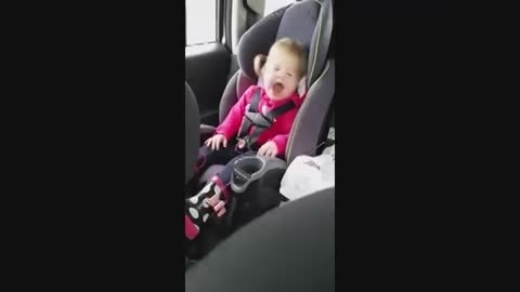 لب خوانی جالب دختر 2 ساله