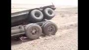 تصادف شدید لودر و تریلی وزنده وسالم بودن راننده!