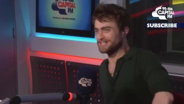 Daniel Radcliffe goes on Tinder!