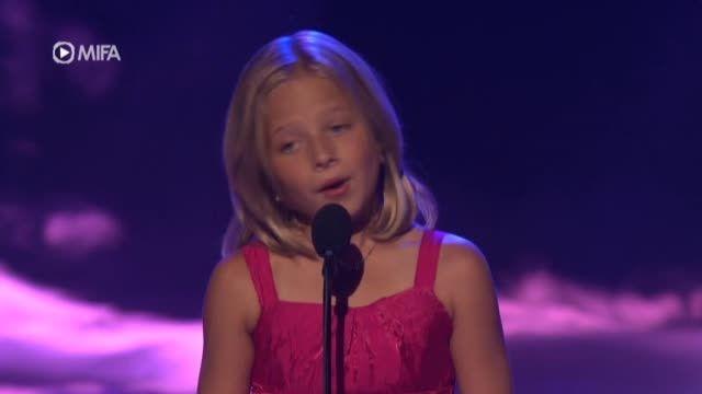 دختر 10ساله با صدای زن 30 ساله