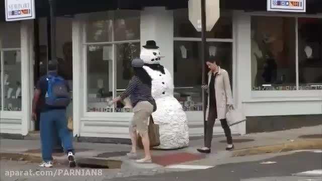 آدم برفی ترسناک - دوربین مخفی خیلی باحال و خنده دار !