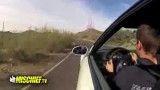 رانندگی با BMW M3 در جاده متروکه