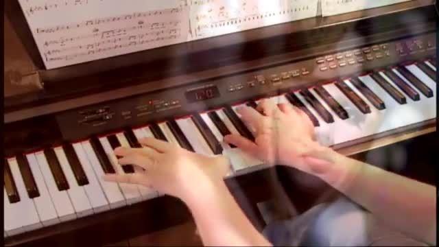 اجرای آهنگ بریتنی با پیانو (8)