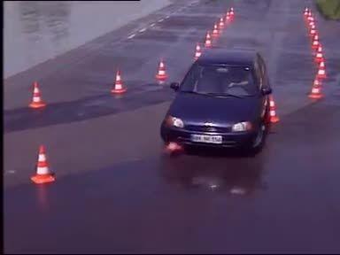 معرفی سیستم ESP پایداری خودرو