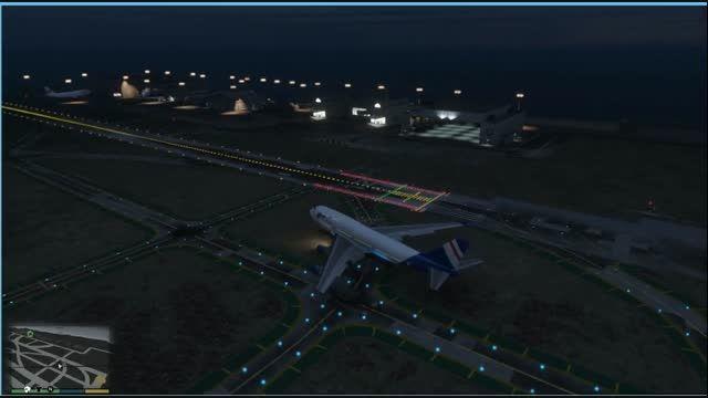 پرواز با هواپیمایی مسافرتی خیلی بزرگ در ...v
