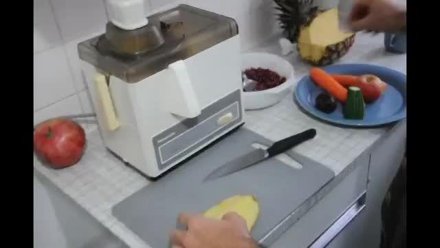 آشنایی با طرز تهیه آب میوه های شفابخش(قسمت2)