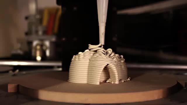 مراحل ساخت بزرگترین پرینتر سه بعدی دنیا