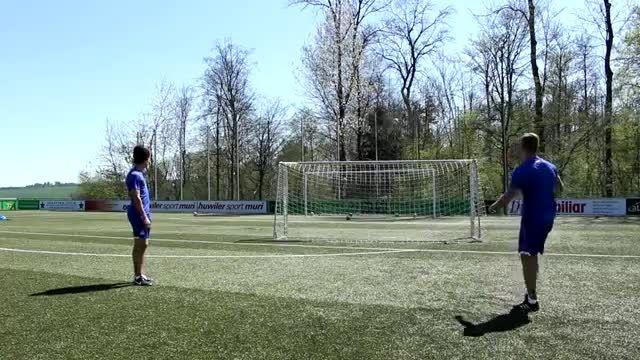 حرکات تکنیکی و سریع در فوتبال