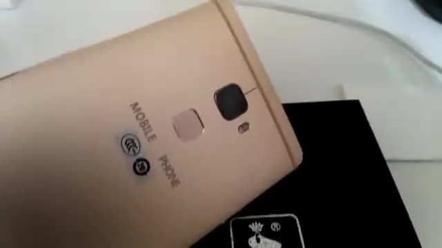 آیا این ویدیو گوشی هوشمند Huawei Mate 8 است؟