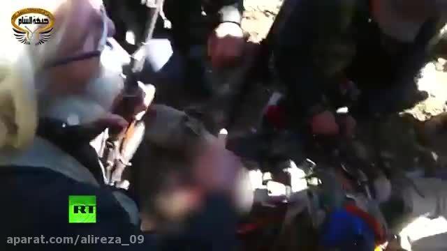 به نمایش گذاشتن جسد خلبان روسی توسط ترکمن ها