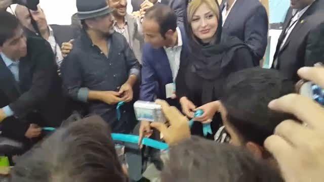 رضا عطاران، نیوشا ضیغمی و حسن ریوندی در افتتاحیه ستارها