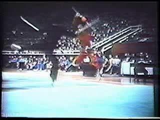 ووشو؛ اجرای مبارزه سنتی با سلاح، دهه 80 میلادی
