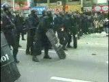 لحظه مرگ شهروند معترض کره ای به دست پلیس