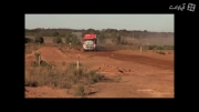 پرش کامیون ده چرخ از روی تپه(خیلی جالبه از دست ندید)