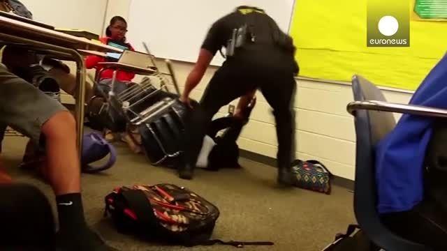 اقدام وحشیانه پلیس آمریکا علیه دانشجوی معترض