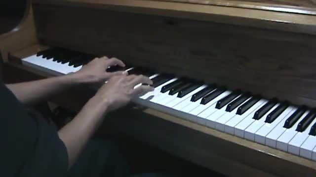 کاور پیانو آهنگ لیدی گاگا