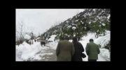 حضور فرمانده سپاه ناحیه رامسر در مناطق برف زده روستایی