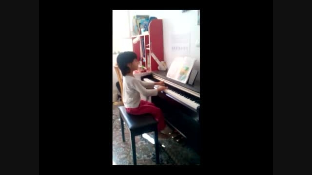 خوشحال و شاد و خندانم پیانو سیده آنا خدایی