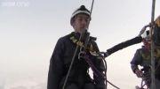 جدید ترین و سخت ترین شغل دنیا در بلندترین ساختمان دنیا