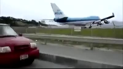 10 فرودگاه خطرناک دنیا