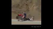 حادثه ی بسیار وحشتناک دوچرخه سوار و موتور سوار(18+)