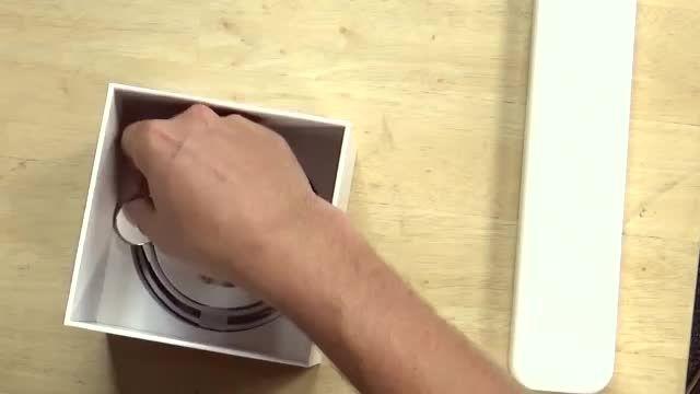 یک ساعت ساز حرفه ای اپل واچ ادیشن را آن باکسینگ می کند