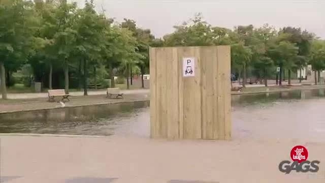 دوربین مخفی خنده دار - غرق شدن ماشین ...